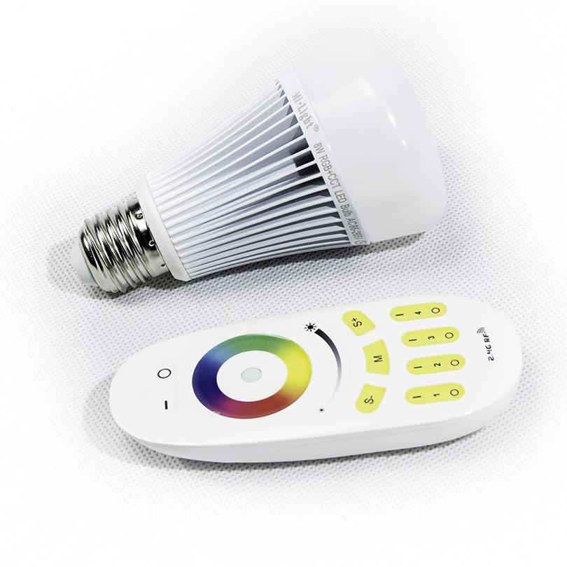 Lampe bulb E27 8w RGB avec commende Led Mada